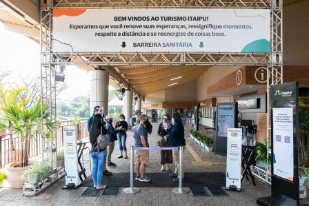 No Refúgio Biológico, os turistas encontraram novidades no passeio pelas trilhas e pelo zoológico, com quase três horas de duração