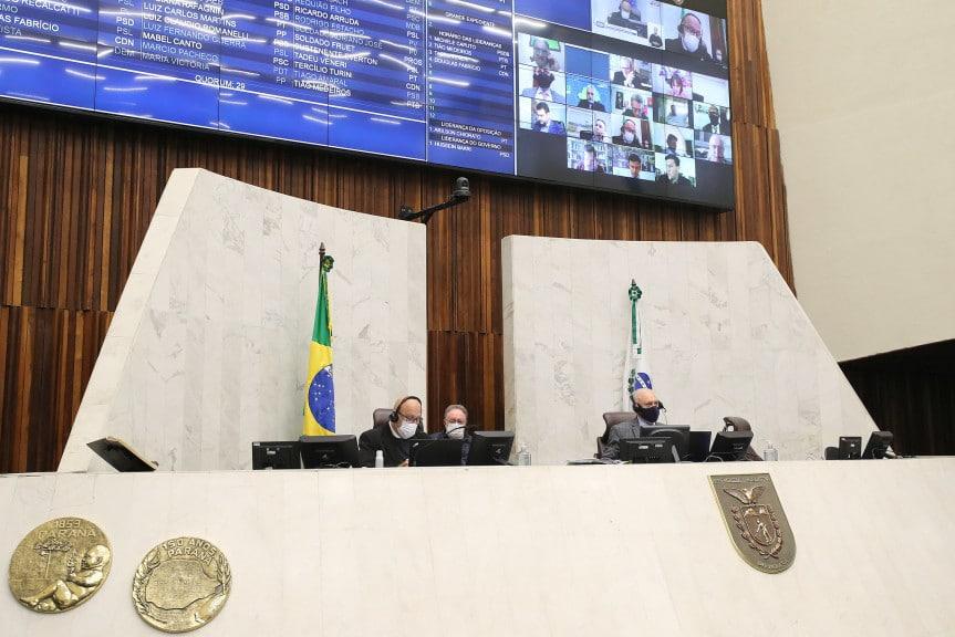 Traiano retira de pautas projetos de lei