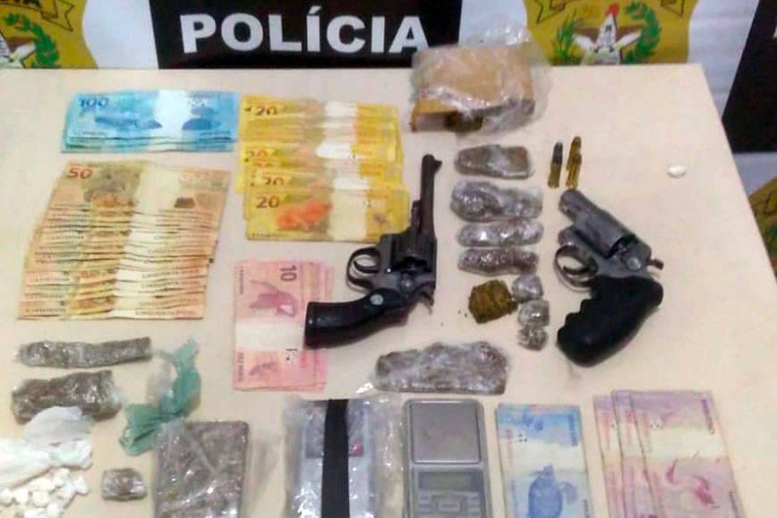 Armas, drogas e dinheiros