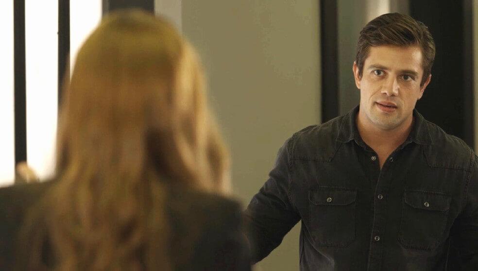 Renzo revela para Josemara que sabe que ela é Alexia