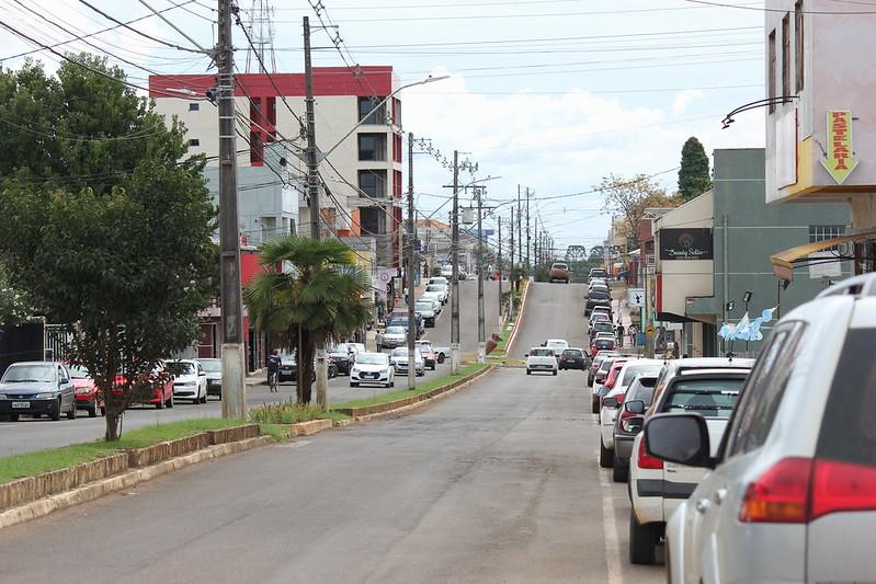 Vista parcial da avenida trifon